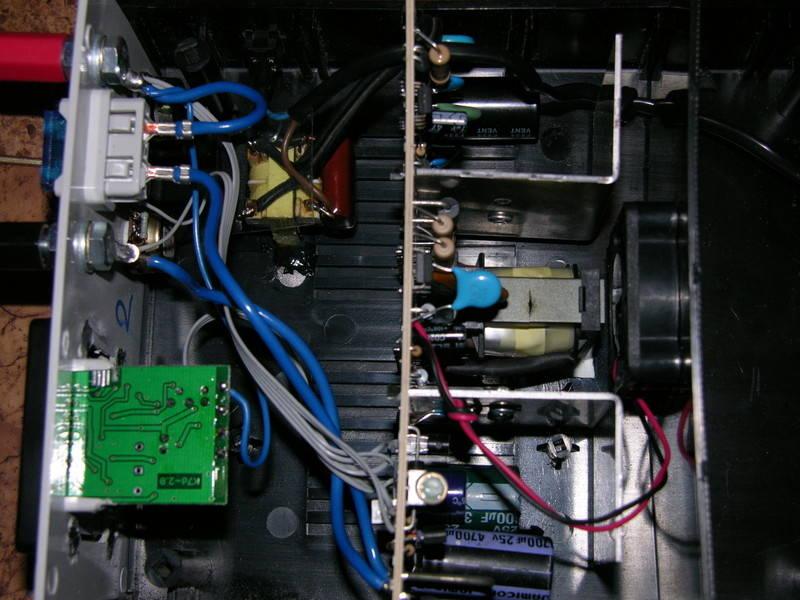 Автомобильное зарядное устройство Belkin F8M935bt06-BLK 2.4A черный
